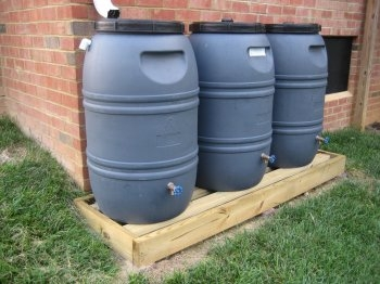 2008-30-07-rain-barrels-002